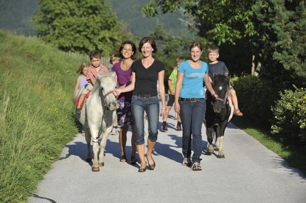 Ponyreiten beim Simonbauer